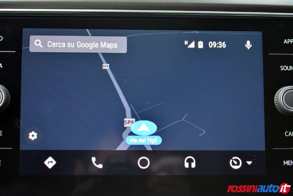 Illustrazione navigatore su app connect per Volkswagen T Roc benzina a km 0